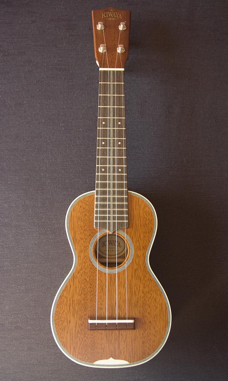 El Kiwaya KTS-7 es una excelente réplica de un Martin style 3 de finales de 1920.